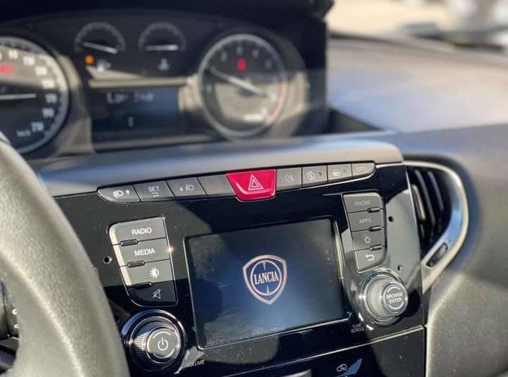 Lancia Ypsilon 1.2 70cv GOLD